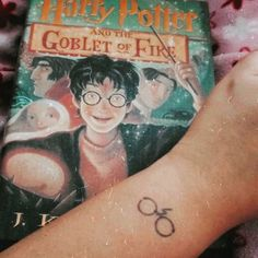 Harry Potter tattoo — Kedavra on mooberrypies Fandom Tattoos, Cute Little Drawings, Inkbox Tattoo, Semi Permanent Tattoo, Dream Tattoos, Small Tattoos, Teeth, Tattoo Ideas, Harry Potter