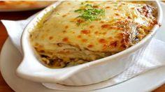 Вы сегодня узнаете, как приготовить очень вкусное и сытное блюдо – мясной торт. Для приготовления мясного торта вам понадобится самые простые продукты такие как: листовые вафли, фарш из свинины или говядины, твердый сыр. Простой и быстрый рецепт, ваш мужчина будет приятно удивлён!