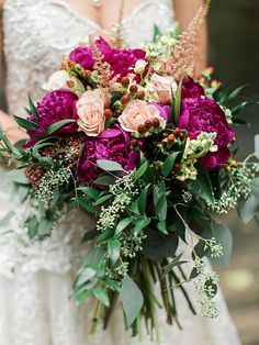 Cascading peony and rose bouquet for a rustic wedding #weddingbouquets