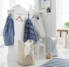 Update your laundry routine with chic and sophisticated style! Elegant enough for treks to the laundry room, our grab-and-go design couldn't be more handy.