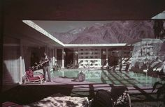 Raymond Loewy Palm Springs Home.Y Barbie dream house in palm springs Raymond Loewy, Palm Springs Houses, Mid Century Exterior, Desert Homes, Barbie Dream House, Architect House, Patio, Spring Home, Mid Century House