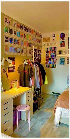 Indie Bedroom, Indie Room Decor, Cute Bedroom Decor, Room Design Bedroom, Aesthetic Room Decor, Room Ideas Bedroom, Aesthetic Indie, Bedroom Inspo, Study Room Decor