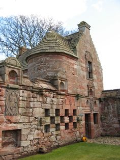 Scotland's, Edzell Castle, was held by the Stirlings of Glenesk but passed to Lindsay Earls of Crawford. Mary Queen of Scots held a Privy Council at Edzell in 1562.  ctsuddeth.com