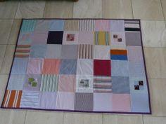 Ik maak een troostkleed / troostdeken van kleding van een overleden dierbare.  www.mijnwebwinkel/winkel/troostkleed