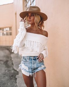Popular Summer Outfits To Copy Right Now – white off-shoulder top beliebte Sommeroutfits zum Nachmachen – weißes schulterfreies Oberteil Best Outfit For Girl, Outfit Ideas For Teen Girls, Outfits For Teens, Trendy Outfits, Fashion Outfits, Womens Fashion, Girl Fashion, Fashionable Outfits, Fashion Trends