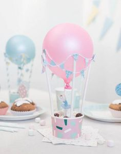 15 Creative Ideas for DIY Birthday Party Decor DIY Party mit Luftballons Baby Party (Visited 1 times, 1 visits today) Diy Birthday Decorations, Balloon Decorations, Diy Party Table Decorations, Balloon Ideas, Diy Ballon, Balloon Party, Balloon Birthday, Balloon Balloon, Diy Hot Air Balloons
