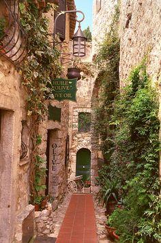 一輩子一定要去的19個絕美小鎮 Eze in the French Riviera 埃茲,法國里維埃拉