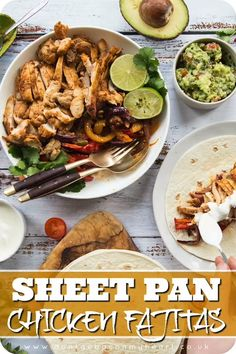 Sheet Pan Chicken Fajitas Chicken Fajita recipes don't come easier than this! With a homemade marinade and all cooked on one tray, these Sheet Pan Chicken Fajitas are an absolute game changer! Chicken Fajita Rezept, Chicken Fajitas, Quick Easy Meals, Easy Dinner Recipes, Easy Recipes, Copycat Recipes, Lunch Recipes, Drink Recipes, Breakfast Recipes