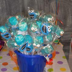 Sesame Street Cookie Monster mallow pops.