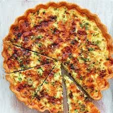 Perfect for a light lunch or to pop in a picnic, Mary Berry's recipe for Leek and Stilton Quiche, as seen on her BBC 1 series, Classic, pairs sweet leek with bold stilton. Quiche Recipes, Egg Recipes, Brunch Recipes, Cooking Recipes, Recipe For Quiches, Quiche Ideas, Bbc Good Food Recipes, Benefits Of Organic Food, Bon Appetit