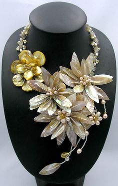 collar de abalorios collar babero declaración por audreyjewelry, $39.50