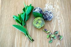 Scrumptious Raw Vegan Cacao Balls | earth by anna