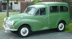 Morris Minor Van - Coincidence Of Meeting 40 Years Later On Holiday Hot Rod Trucks, Cool Trucks, Cool Cars, Pickup Trucks, Morris Minor, Vintage Vans, Vintage Trucks, Morris Traveller, Cars Uk