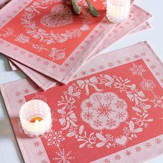 Set de table collection automne hiver 2015 par Garnier-Thiebaut - Modèle : Noël flocon - Set de table en coton anti-tache - Coloris : rouge