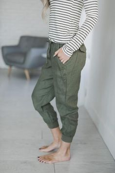 Olive Linen Joggers would be perfect for my trips to Rwanda.... Comfort and breathability. #mindymaesmarket #dreamcloset