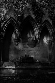 Warriston Cemetery, Edinburgh — Ursula Mestre (2015) http://ursulamestre.tumblr.com/post/108763454484/warriston-cemetery-edinburgh-ursula-mestre-2015