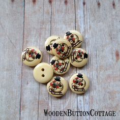 9 Christmas Sledding Snowman 15mm 2-hole by WoodenButtonCottage