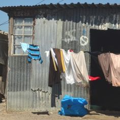 Gay Travel: South Africa's Khayelitsha Township - Travel tips - Travel tour - travel ideas World Poverty, African House, Travel Tours, Travel Ideas, Out Of Africa, Going On Holiday, Slums, Most Beautiful Cities, Holiday Destinations