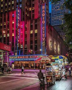 Radio City Music Hall by - New York City Feelings Mykonos, Santorini, City Aesthetic, Travel Aesthetic, Central Park, New York Night, Radio City Music Hall, City Background, City Photography