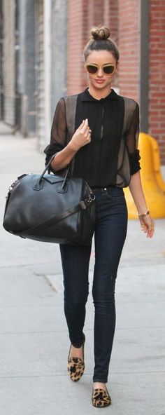 #MirandaKerr all in Black