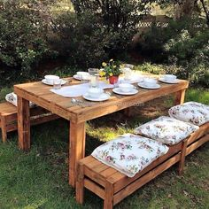 There are unlimited ideas with which the people with the creative mind can make the items of daily use by utilizing the recycled wood pallets,...
