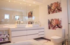 Having a small bathroom? Here are some tips for you to look your bathroom more spacious. Check out these impactful bathroom decor tips: https://www.usehometips.com/tips-making-small-bathroom-look-spacious/ #hometips #bathroomtips #bathroomdecor