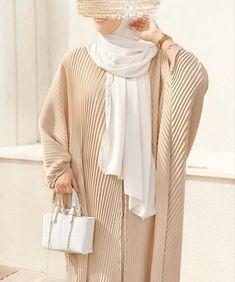 Burqa Designs, Abaya Designs, Muslim Women Fashion, Arab Fashion, Dubai Fashion, Modest Fashion Hijab, Fashion Outfits, Modesty Fashion, Mode Kimono