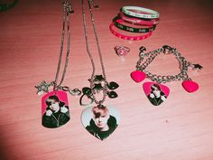 Justin Bieber stuff by ~ItsaFreshCyrus on deviantART Justin Bieber Sleeping, Justin Bieber Merchandise, Justin Bieber Posters, Justin Bieber Outfits, Kawaii Phone Case, Birthday Wishlist, Party Themes, Old Things, My Love