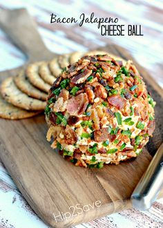 Bacon Jalapeno Cheese Ball Recipe-What could be better than bacon, jalapeno, and cheese? How about a homemade cheese ball with all of the above? Let me just say it does not disappoint! If you have a holiday gathering soon and need… Finger Food Appetizers, Easy Appetizer Recipes, Yummy Appetizers, Appetizers For Party, Easy Holiday Appetizers, Finger Foods, Think Food, I Love Food, Jalapeno Cheese