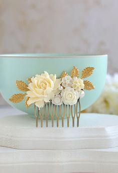 Bridal Hair Comb, Wedding Hair Accessory, Ivory Rose Flowers Gold Leaf Hair Comb, Vintage Wedding Garden Wedding Country Chic Flower Comb
