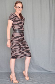 tutorial for 30min jersey sheath dress and other good tutorials....need to make this for me....done :-) and was pretty easy