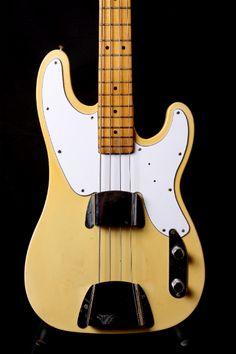 Norman's Rare Guitars :: Guitars :: Fender :: Fender Bass :: Telecaster :: Fender 1968 Telecaster Bass Rare Repro Guard