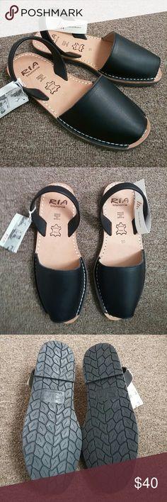 bd9f03e8 NIB Ria menorca sandals, black, size 8 Ria menorca sandals, black, size