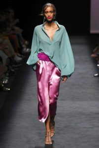 Marcos Luengo Madrid Spring/Summer 2020 Fashion Show 2020 Fashion Trends, Fashion Mode, Moda Fashion, Vogue Fashion, Fashion 2020, Runway Fashion, Spring Fashion, High Fashion, Japan Fashion