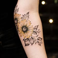 With this quiz, you'll discover which is the best tattoo you should get next. Mini Tattoos, Diskrete Tattoos, Elbow Tattoos, Body Art Tattoos, Small Tattoos, Cool Tattoos, Galaxy Tattoos, Circle Tattoos, Tree Tattoos