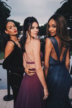 """Pin for Later: Die amfAR Gala ist der """"Place to be"""" in Cannes Joan Smalls, Kendall Jenner und Jourdan Dunn Kendall Jenner, Kendall And Kylie, Bruce Jenner, Kris Jenner, Kourtney Kardashian, Kardashian Jenner, Joan Smalls, Glamour, Look Fashion"""
