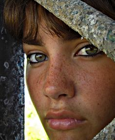 Why I need to tan. Clean face, eye liner and love the freckles!