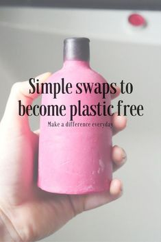 Do you want to go plastic free, cut down on plastic pollution and help clean up the environment? Here are 20 simple and easy everyday swaps to help you on your journey to reduce waste. Plastik Recycling, Reduce Reuse Recycle, Repurpose, Plastic Pollution, Zero Waste, Reduce Waste, Plastic Waste, Simple Life Hacks, Sustainable Living