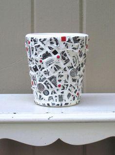 Toile Mosaic Vase - Black, White, Red | Flickr - Photo Sharing!