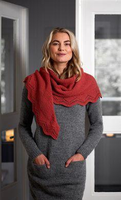 Crochet Lace Scarf, Crochet Hooded Scarf, Crochet Lace Edging, Crochet Poncho Patterns, Knitted Shawls, Lace Knitting, Knitting Socks, Crochet Flowers, Knit Crochet