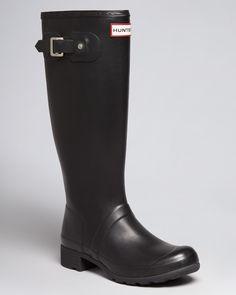 Hunter Rain Boots - Original Tour Packable sz please! Sock Shoes, Cute Shoes, Me Too Shoes, Shoe Boots, Shoes Sandals, Leather Sandals, Hunter Boots Outfit, Black Hunter Rain Boots, Shopping