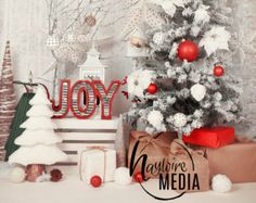 Rustic Wood Christmas Scene Family Baby Toddler от HaywireMedia