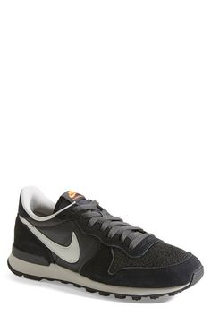 Free shipping and returns on Nike 'Internationalist' Sneaker (Men) at Nordstrom.com. Sporty retro appeal bolsters a cool sneaker designed for top-flight comfort and versatility.