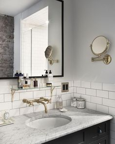Beautiful Farmhouse Bathroom Design and Decor Ideas You Will Go Crazy For Tags: Small bathroom ideas Small bathroom remodel Master bathroom ideas Shower ideas bathroom Guest bathroom Master bathroom remodel Brooklyn Brownstone, Brooklyn House, Brooklyn Kitchen, Brooklyn Style, Bad Inspiration, Bathroom Inspiration, Bathroom Inspo, Cool Bathroom Ideas, Bathroom Updates
