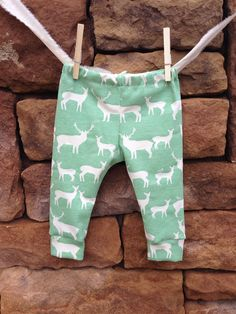 Elch Bio Baby Leggings Baby Leggings von littlenuggetrepublic, $25.00