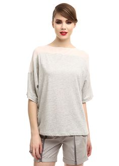 İstanbul Fashion Week Coşkusu - gülçin uzunalan T-shirt Markafoni'de 149,90 TL yerine 79,99 TL! Satın almak için: http://www.markafoni.com/product/3636792/