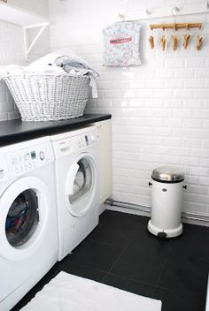 White Laundry Room with black counters & black floors! Room Accessories, Room Design, Laundry Mud Room, Basement Laundry Room, Home, Room Decor, Laundry, Vintage Laundry Room, White Laundry Rooms