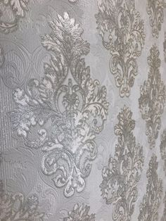 New wall paper bedroom damask 29 ideas Best Living Room Wallpaper, Living Room Mirrors, Paper Wallpaper, Wallpaper Roll, Damask Bedroom, Damask Wall, Wall Light Shades, Mirror Inspiration, Kitchen Wall Stickers