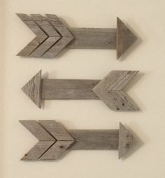 Pallet Arrows (Set of 3) by DownAtPapasShop on Etsy https://www.etsy.com/listing/248906590/pallet-arrows-set-of-3