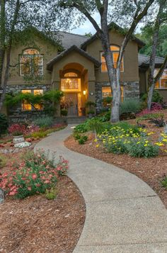 Looking for creative and unique design ideas to make your front yard the focal point of your home? Look no further! Try these 8 budget-friendly landscaping ideas that can improve your curb appeal. Front Yard Landscaping, Landscaping Ideas, Landscape Architecture, Landscape Design, Landscape Materials, Lawn Care, Home Look, Patio Design, Old Houses